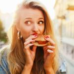 ¿Por qué durante el período se tiene más hambre?